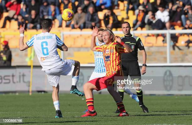 Antonin Barak of Lecce competes for the ball with Mirko Valdifiori of Spal during the Serie A match between US Lecce and SPAL at Stadio Via del Mare...
