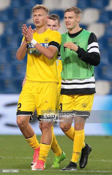 Antonin Barak of Udinese Calcio celebrates the victory with his teammates at the end of the Serie A match between US Sassuolo and Udinese Calcio at...