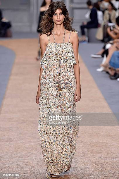 Antonina Petkovic walks the runway during the Chloe Ready to Wear show as part of the Paris Fashion Week Womenswear Spring/Summer 2016 on October 1...