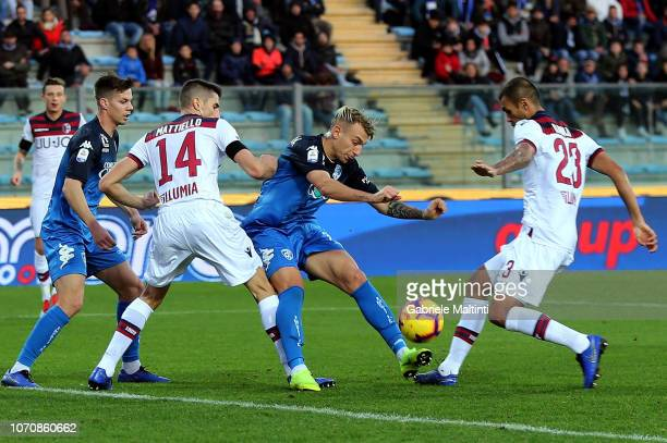 Antonino La Gumina of Empoli FC in action during the Serie A match between Empoli and Bologna FC at Stadio Carlo Castellani on December 9 2018 in...