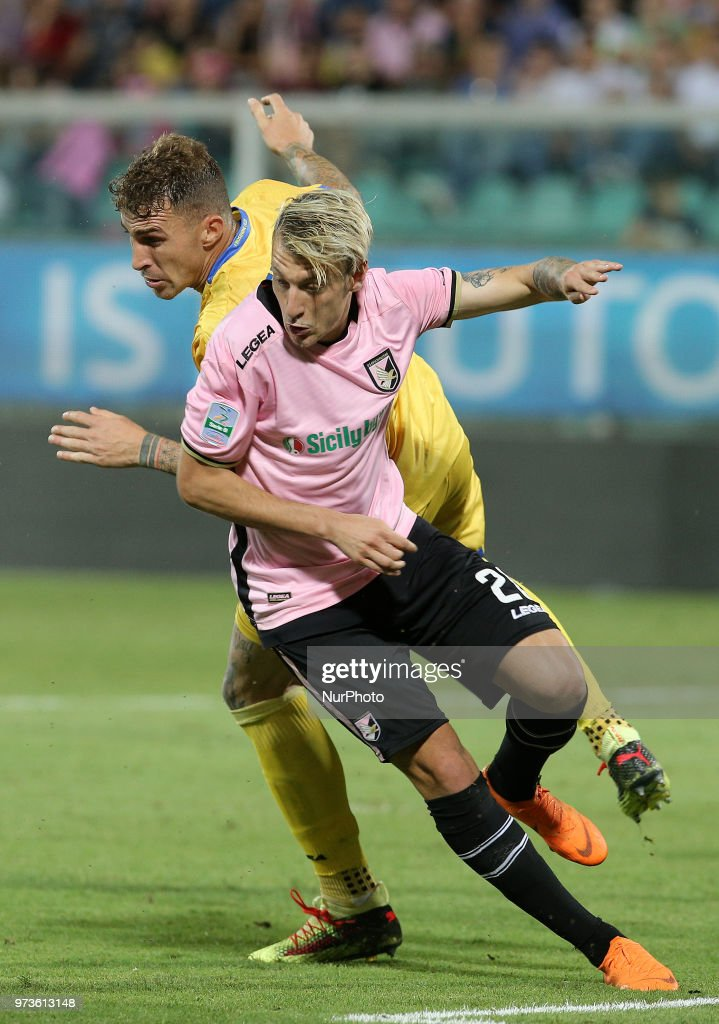 Antonino La Gumina of Palermo in action during the serie B playoff match final between US Citta di Palermo and Frosinone Calcio at Stadio Renzo Barbera on June 13, 2018 in Palermo, Italy.