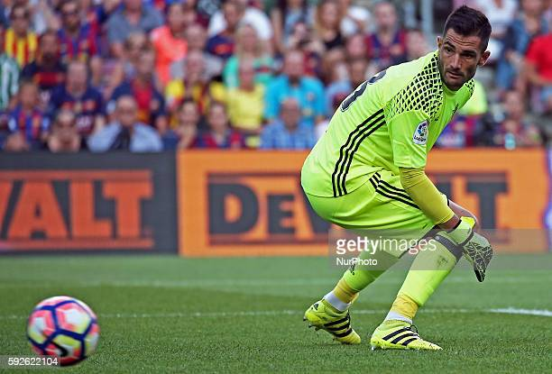 Antonio Adan during La Liga match between FC Barcelona v Betis in Barcelona on August 20 2016
