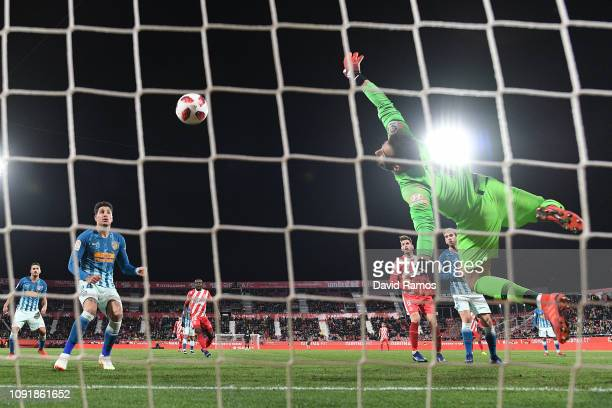 Antonio Adan of Atletico de Madrid saves a chance during the Copa del Rey Round of 16 match between Girona FC and Atletico Madrid at Montilivi...