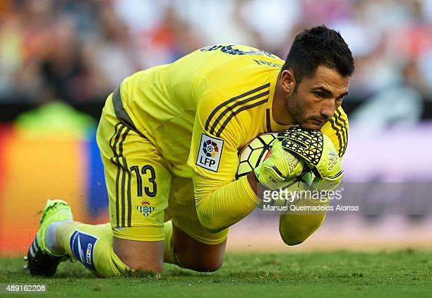 Antonio Adan of Betis in action during the La Liga match between Valencia CF and Real Betis Balompie at Estadi de Mestalla on September 19 2015 in...