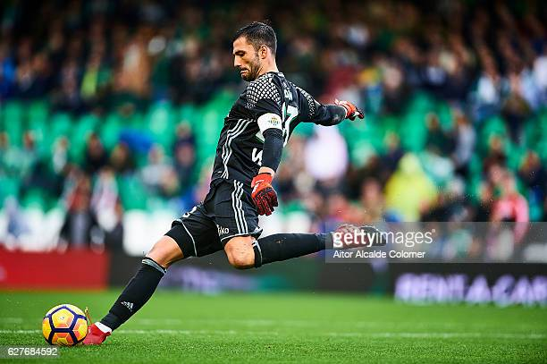 Antonio Adan of Real Betis Balompie in action during La Liga match between Real Betis Balompie an RC Celta de Vigo at Benito Villamarin Stadium on...