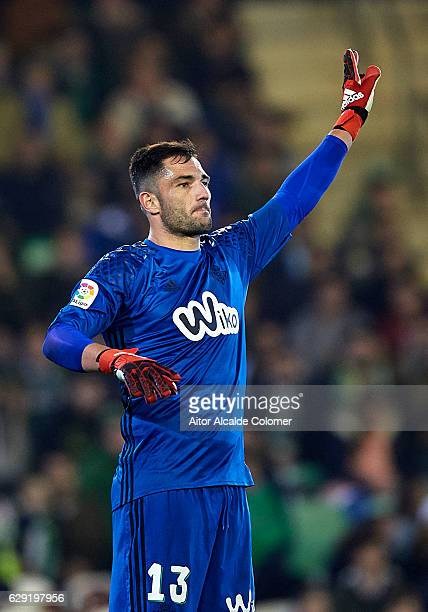 Antonio Adan of Real Betis Balompie reacts during La Liga match between Real Betis Balompie vs Athletic Club at Benito Villamarin Stadium on December...