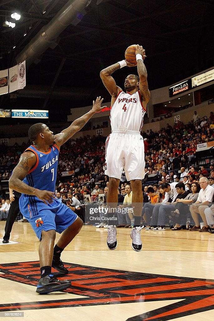 Antonio Anderson #4 of the Rio Grande Valley Vipers shoots a jump shot against Wink Adams #7 of theTulsa 66ers in Game Two of the 2010 NBA D-League Finals at the State Farm Arena on April 27, 2010 in Hidalgo, Texas. The Valley Vipers won 94-91 to claim the D-League Championship.