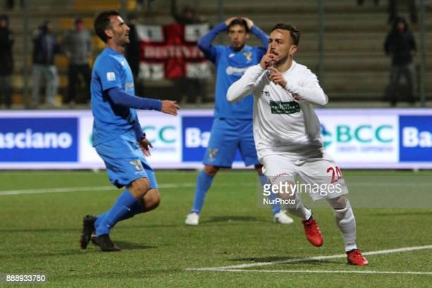 Antonio Bacio Terracino of Teramo Calcio 1913 celebrate the goal of 21 during the Lega Pro 17/18 group B match between Teramo Calcio 1913 and Alma...