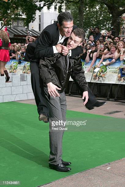 Antonio Banderas and Justin Timberlake during 'Shrek the Third' London Premiere Green Carpet Arrivals at The Odeon Leicester Square in London Great...