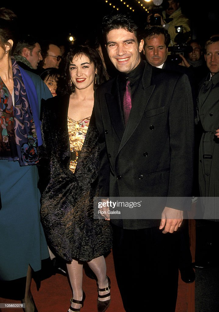 """The Mambo Kings"" New York Premiere - February 12, 1992 : Fotografía de noticias"