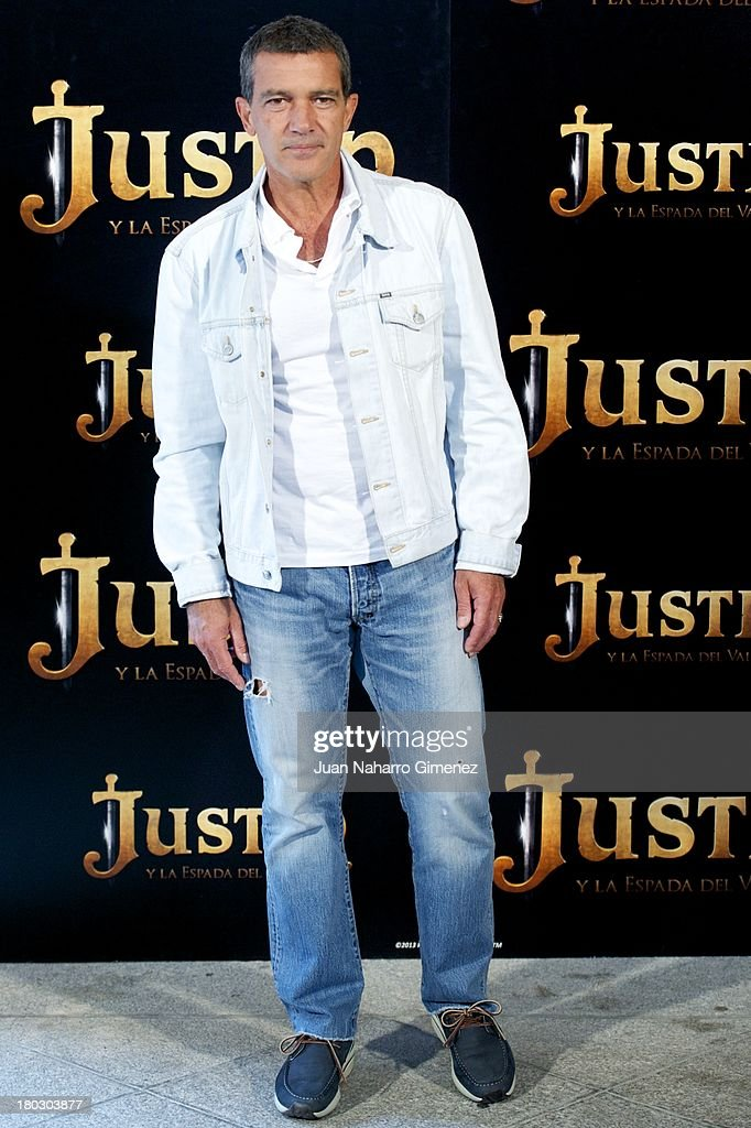 Antonio Banderas attends 'Justin And The Knights Of Valour' (Justin Y La Espada Del Valor) photocall at Castle of Villaviciosa de Odon on September 11, 2013 in Villaviciosa de Odon, Spain.