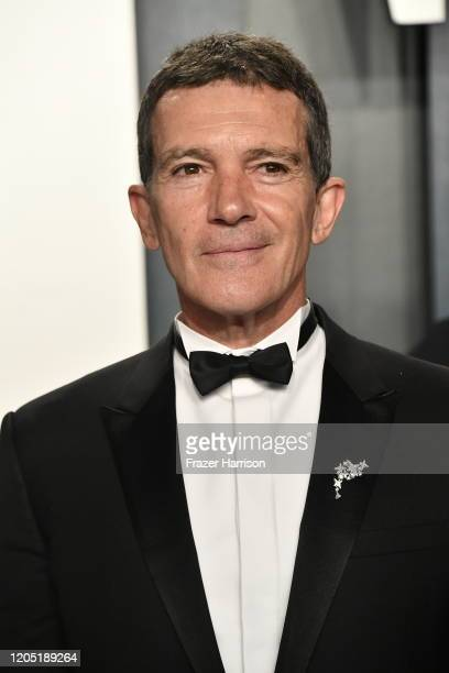Antonio Banderas attends the 2020 Vanity Fair Oscar Party hosted by Radhika Jones at Wallis Annenberg Center for the Performing Arts on February 09...