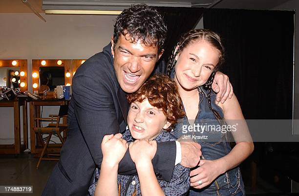 Antonio Banderas Daryl Sabara Alexa Vega during Kid's Choice Awards Backstage in Santa Monica California United States