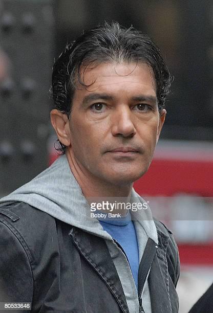 Antonio Banderas On Location for The Code in Brooklyn New York October 9 2007