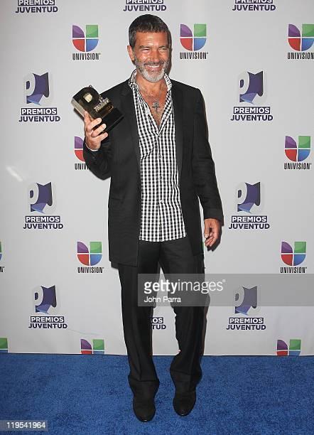 Antonio Banderas poses backstage at Univisions 8th Annual Premios Juventud Awards at Bank United Center on July 21 2011 in Miami Florida