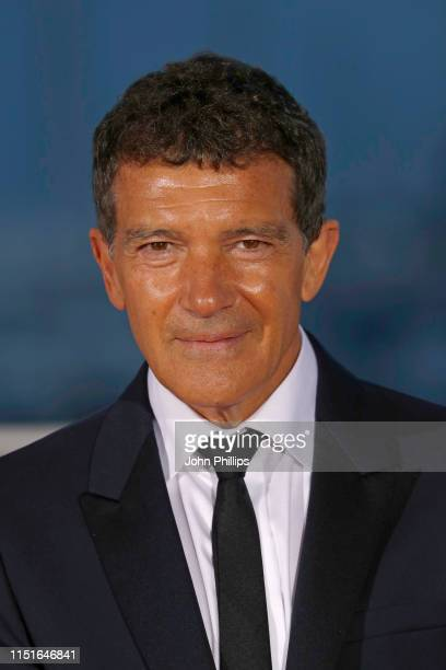 Antonio Banderas winner of the Best Actor award for Dolor Y Gloria poses at the winner photocall during the 72nd annual Cannes Film Festival on May...