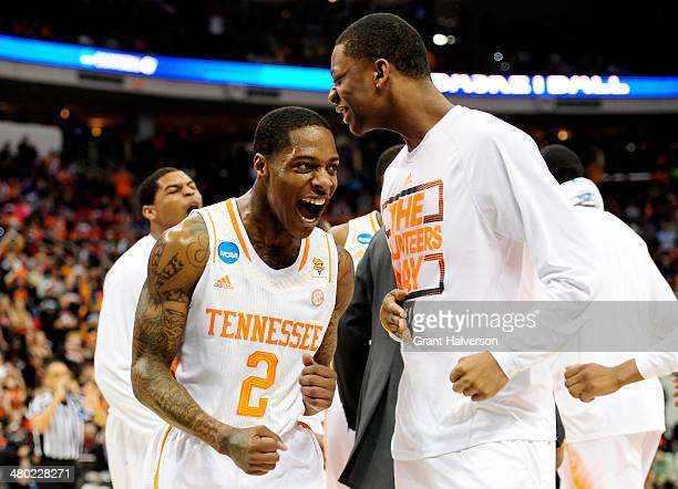 Antonio Barton of the Tennessee Volunteers celebrates in the first half against the Mercer Bears during the third round of the 2014 NCAA Men's...