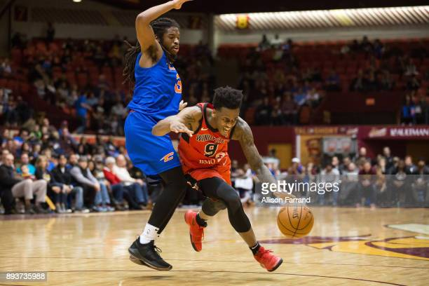 Antonio Blakeney of the Windy City Bulls handles the ball against the Canton Charge on December 15 2017 at the Canton Memorial Civic Center in Canton...
