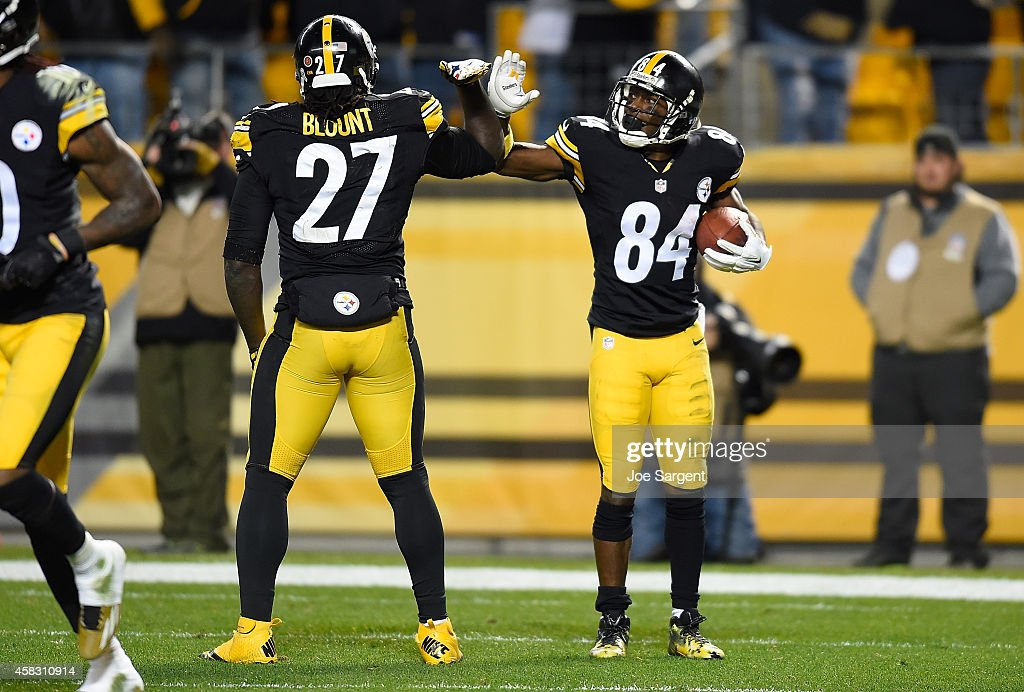 Antonio Brown #84 celebrates his touchdown with LeGarrette Blount #27 of the Pittsburgh Steelers during the fourth quarter against the Baltimore Ravens at Heinz Field on November 2, 2014 in Pittsburgh, Pennsylvania.