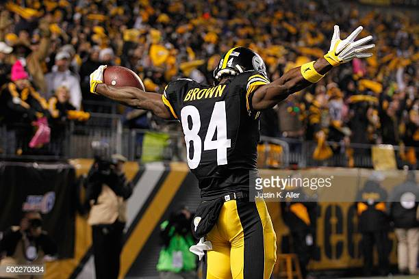 Antonio Brown of the Pittsburgh Steelers celebrates a touchdown in the second quarter of the game against the Indianapolis Colts at Heinz Field on...