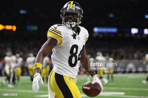 Antonio Brown of the Pittsburgh Steelers celebrates a touchdown during the second half against the New Orleans Saints at the MercedesBenz Superdome...