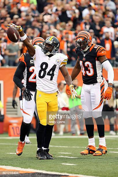 Antonio Brown of the Pittsburgh Steelers celebrates after making a first down during the first quarter of the game against the Cincinnati Bengals at...