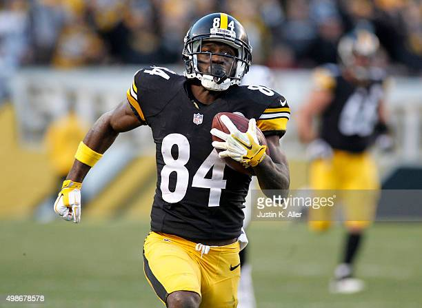 Antonio Brown of the Pittsburgh Steelers in action during the game against the Oakland Raiders on November 8 2015 at Heinz Field in Pittsburgh...