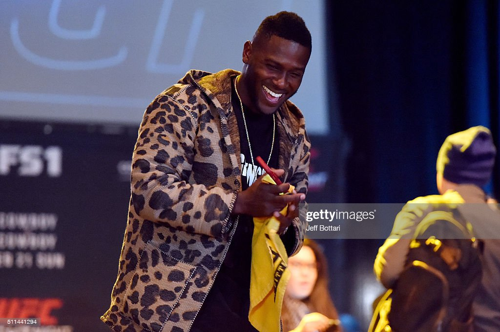 Antonio Brown of the Pittsburgh Steelers interacts with fans during the UFC Fight Night weigh-in at Stage AE on February 20, 2016 in Pittsburgh, Pennsylvania.