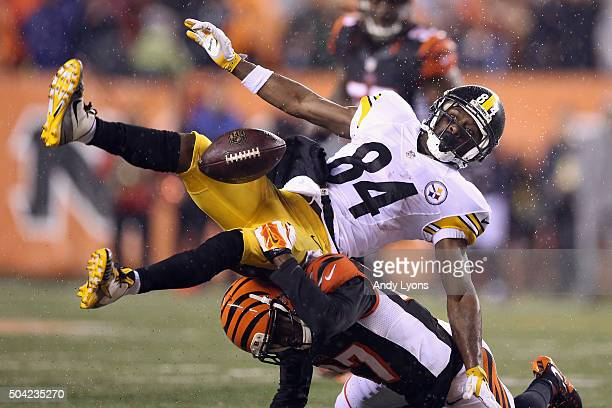 Antonio Brown of the Pittsburgh Steelers is unable to catch a pass as he is defended by Chris LewisHarris of the Cincinnati Bengals in the fourth...
