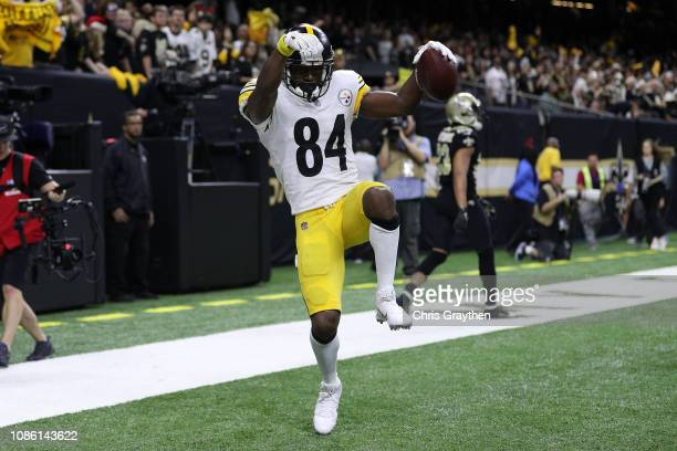 Antonio Brown of the Pittsburgh Steelers reacts after a touchdown against the New Orleans Saints during the second half at the MercedesBenz Superdome...