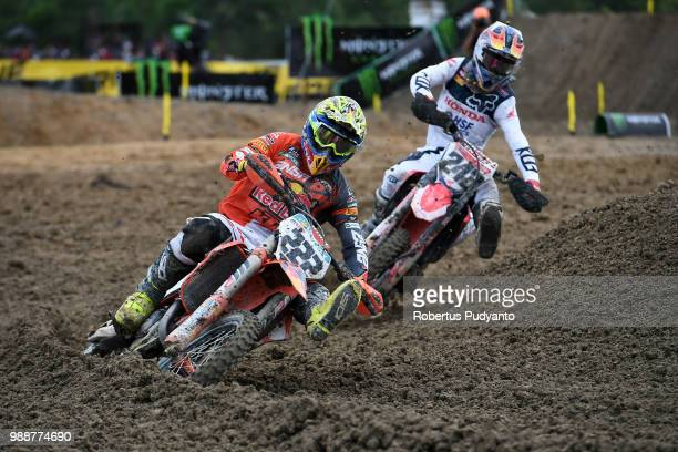 PANGKALPINANG BANGKA INDONESIA JULY 01 Antonio Cairoli of Red Bull KTM Factory Racing Team leads to Tim Gajser of Team HRC during Final Race 2 on day...