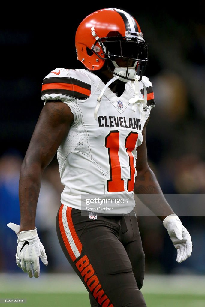 c7abab403 Antonio Callaway of the Cleveland Browns stands on the field during ...