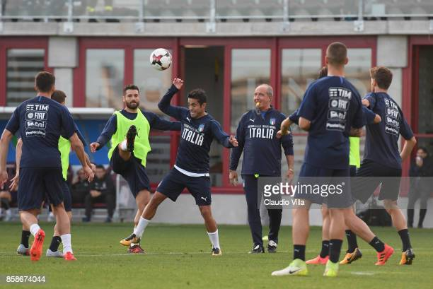 Antonio Candreva and Citadin Martins Eder of Italy compete for the ball during a Italy training session at Filadelfia Stadium on October 7 2017 in...