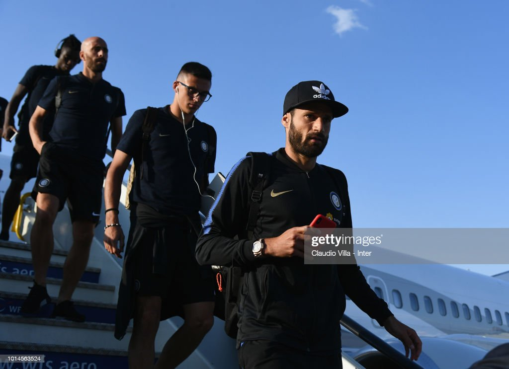 Antonio Candreva of FC Internazionale (R) arrives at Madrid-Barajas Airport on August 10, 2018 in Madrid, Spain.