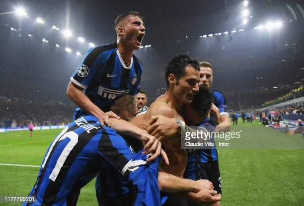 Antonio Candreva of FC Internazionale celebrates after his goal of 20 with teammates Marcelo Brozovic Nicolo Barella and Lautaro Martinez during the...