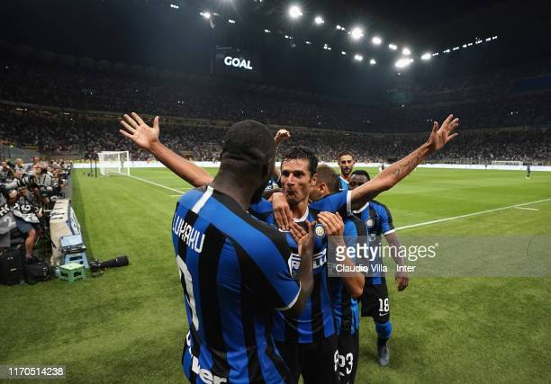 Antonio Candreva of FC Internazionale celebrates after scoring the fourth goal during the Serie A match between FC Internazionale and US Lecce at...