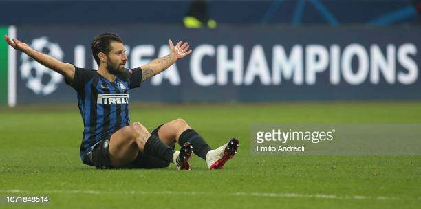 Antonio Candreva of FC Internazionale gestures during the UEFA Champions League Group B match between FC Internazionale and PSV at San Siro Stadium...