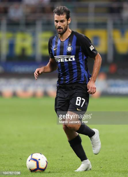 Antonio Candreva of FC Internazionale in action during the Serie A match between FC Internazionale and Cagliari at Stadio Giuseppe Meazza on...