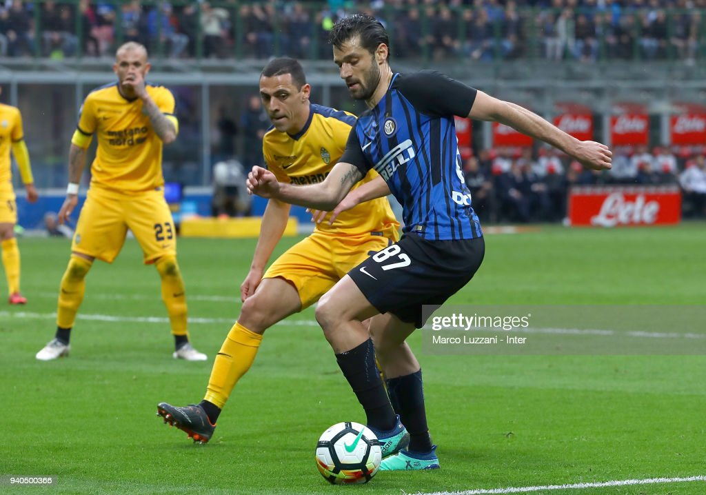 Antonio Candreva of FC Internazionale in action during the serie A match between FC Internazionale and Hellas Verona FC at Stadio Giuseppe Meazza on March 31, 2018 in Milan, Italy.