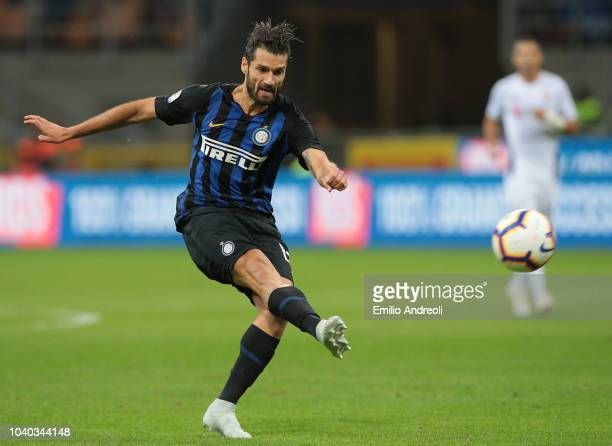 Antonio Candreva of FC Internazionale kicks the ball during the Serie A match between FC Internazionale and ACF Fiorentina at Stadio Giuseppe Meazza...
