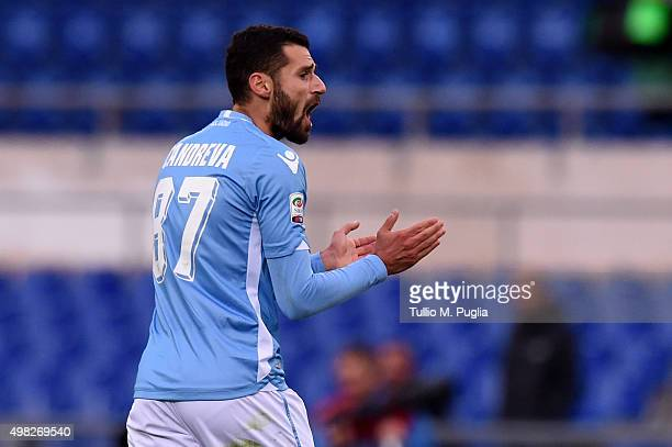 Antonio Candreva of Lazio celebrates after scoring the equalizing goal during the Serie A match between SS Lazio and US Citta di Palermo at Stadio...