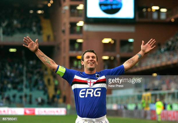 Antonio Cassano of Sampdoria celebrates during the Serie A match between Sampdoria and Catania at the Stadio Marassi on November 23, 2008 in Genove,...