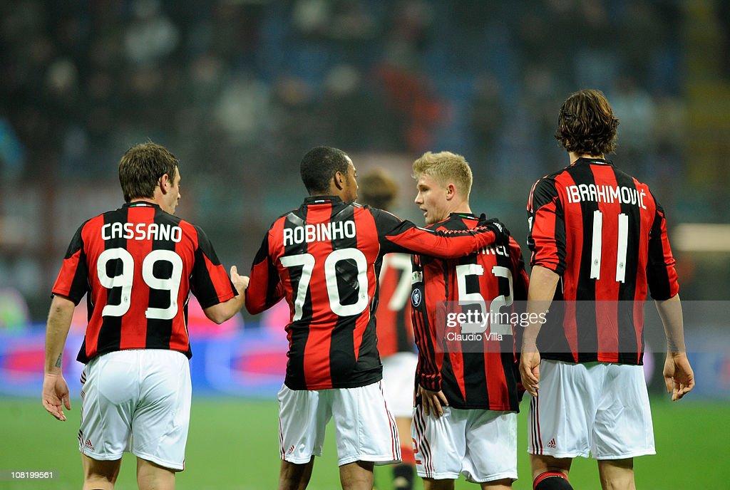 AC Milan v AS Bari - Tim Cup : News Photo