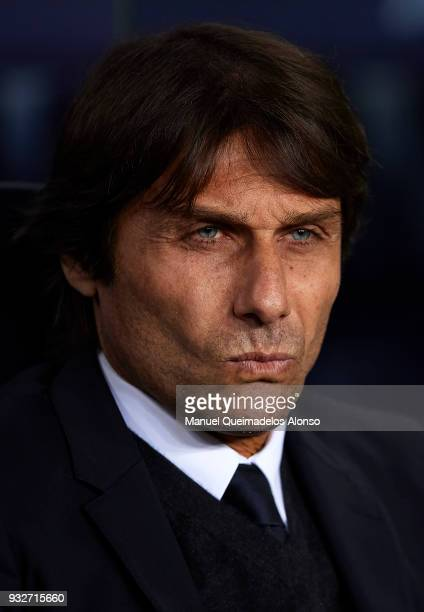 Antonio Conte coach of Chelsea looks on prior to the UEFA Champions League Round of 16 Second Leg match between FC Barcelona and Chelsea FC at Camp...