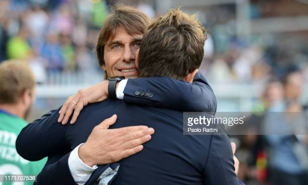 Antonio Conte head coach of FC Internazionale and Eusebio Di Francesco head coach of UC Sampdoria greet during the Serie A match between UC Sampdoria...