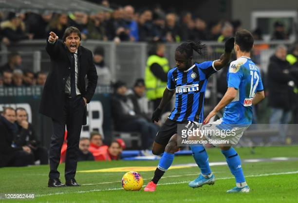 Antonio Conte head coach of FC Internazionale issues instructions to his players during the Coppa Italia Semi Final match between FC Internazionale...