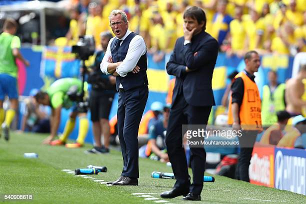 Antonio Conte head coach of Italy and Erik Hamren head coach of Sweden look on from the touchline during the UEFA EURO 2016 Group E match between...