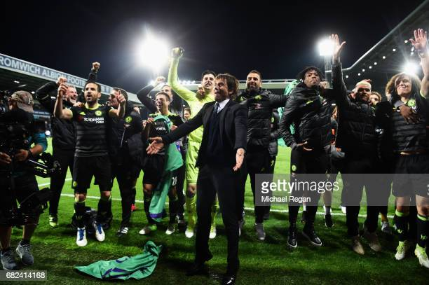 Antonio Conte, Manager of Chelsea and his Chelsea team celebrate winning the league after the Premier League match between West Bromwich Albion and...