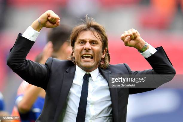Antonio Conte Manager of Chelsea celebrates victory after the Premier League match between Tottenham Hotspur and Chelsea at Wembley Stadium on August...