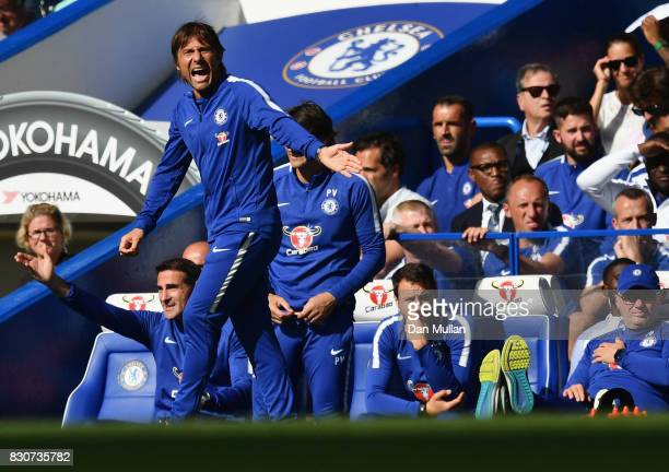 Antonio Conte Manager of Chelsea gives his team instructions during the Premier League match between Chelsea and Burnley at Stamford Bridge on August...